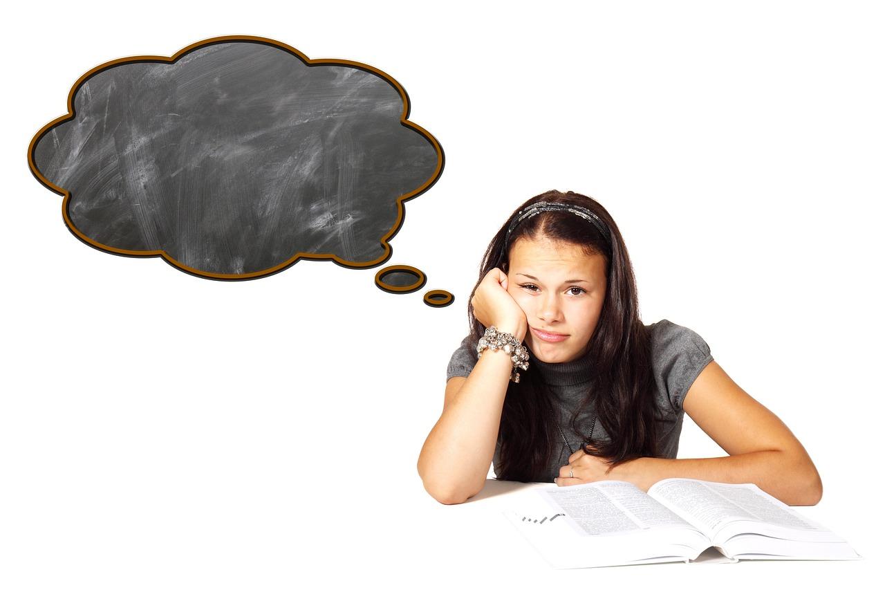 dziecko się nudzi, nuda, co zrobić kiedy dziecko się nudzi, nuda jest dobra, nuda wspomaga rozwój kreatywności
